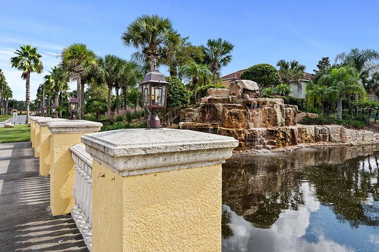 Paradise Palms Scenery